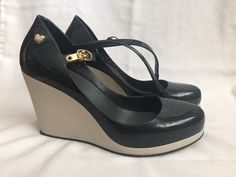 Pre-owned. Worn twice and in great condition. Minor wear at back of heels. | eBay!