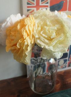 How to dye coffee filter flowers to any color! Dye Flowers, Faux Flowers, Paper Flowers, Coffee Filter Flowers, Coffee Filters, Wedding Stuff, Dream Wedding, Wedding Ideas, Nifty Crafts