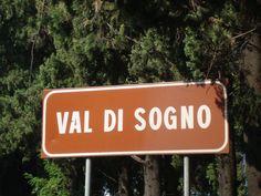 un luogo che richiama antichissimi eventi geologici, con leggende che parlano di città sommerse e dove il dio Benaco si innamorò della bellissima ninfa Fillide...