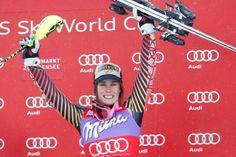 La Québécoise Marie-Michèle Gagnon a obtenu une première victoire en Coupe du monde de ski alpin, dimanche, en remportant le super combiné d'Altenmarkt-Zauchensee, en Autriche. La skieuse de 24 ans de Lac-Etchemin devient ainsi la première Canadienne à gagner une épreuve combinée en Coupe du monde depuis 1984. Surf, 1984, Ainsi, Skiing, Marie, Events, Baseball Cards, Fitness, Sports