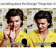 Stranger Things Joe Keery who plays Steve Harrington, talking about his fellow cast members. Stranger Things Kids, Stranger Things Have Happened, Stranger Things Aesthetic, Stranger Things Netflix, Stranger Things Tattoo, Stranger Things Season 3, Saints Memes, Joe Keery, Stranger Danger