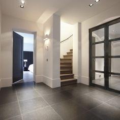 Combi antraciet deur met (doorlopende) hoge plint Deur: Piet Boon  Type: Amsterdam Zie ook diepe deursponning
