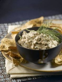 Warm Mushroom Dip with Baked Pita Crisps: Delicious, hearty dip perfect for game day or a cookout. #MeatlessMonday #Mushrooms