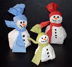 Schneemänner aus Servietten basteln