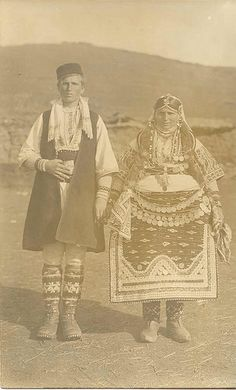Wedding in Prilep region, Macedonia. The girl's skirt has this specific shape as it was believed that it would drive away the evil eyes of bad people. Historical Costume, Historical Clothing, Historical Photos, Antique Photos, Vintage Photographs, Vintage Photos, Folk Costume, People Of The World, Culture