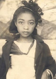Those eyes. What a gorgeous little girl she was.