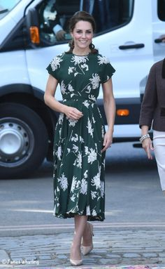 Kate Middleton arrives at the Chelsea flower show | May 22, 2017