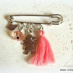 """Lili et ma créations, broche """"des perles, des breloques et des rubans...."""""""