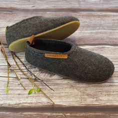 Felt Boots, The Originals, Sneakers, Shoes, Fashion, Tennis, Moda, Slippers, Zapatos