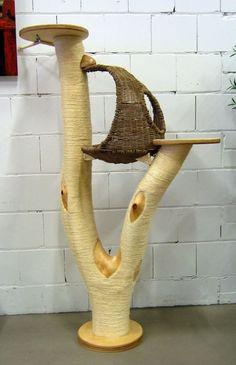 Kratzbaum Modell Nr. 3 mit Korb in Muschelform