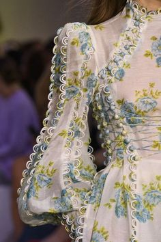 Zimmermann auf der New York Fashion Week Spring 2018 - Designer - Mode Couture Fashion, Runway Fashion, Fashion Beauty, Womens Fashion, Fashion Tips, Fashion Trends, New York Fashion, Fashion Week, Fashion Spring