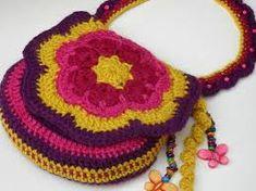 Resultado de imagen para bolsitos crochet para niñas
