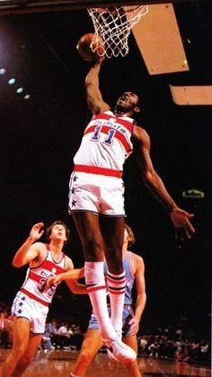 Elvin Hayes 21ppg 12.5rpg 1.8apg 1.0spg 2.0bpg  1xNBA Champ, 12xAll-Star, 3xAll-NBA First Team, 3xAll-NBA Second Team, UPI Player of the Year, 2xConsensus first team All-American