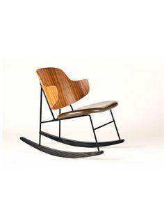 Cadeira de balanço em madeira