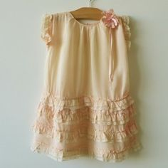 Belle Heir  peach silk crepe c 1920
