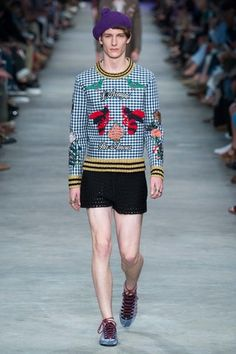 See the complete Gucci Spring 2016 Menswear collection.