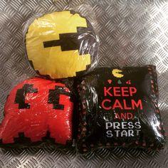 Almofadas Pac Man @magia_e_ficcao facebook.com/magiaeficcao