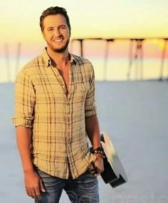 happy birthday to the best country music singer Luke Bryan