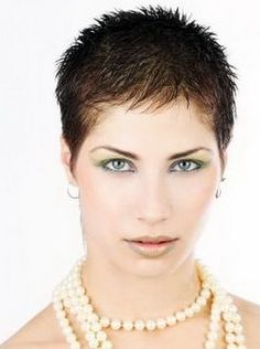 Short spiky hairstyles for women have been known to have a glamorous and sassy look in quite a simple way. Women often prefer these short spiky hairstyles. Haircut For Older Women, Hairstyles For Round Faces, Short Hair Cuts For Women, Short Hairstyles For Women, Short Spiky Hairstyles, Very Short Haircuts, Cool Hairstyles, Hairstyles 2016, Medium Hairstyles