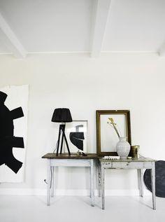 Den Bilderrahmen einfach mal ohne Bild an die Wand lehnen. #decoration #images #wall #colors #home #homestory #highlight #decoration #accessoires