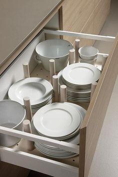 9 Storage ideas for the kitchen Kitchen Furniture, Kitchen Interior, Kitchen Dining, Kitchen Decor, Furniture Nyc, Kitchen Ideas, Kitchen Organization Pantry, Kitchen Storage, Plate Storage