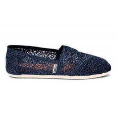Toms Shoes Navy Crochet Women's Classics. Pure Yogi encourages eco-friendly consumption!  #ecofriendly #eco Pureyogi.com
