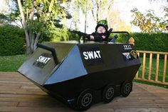 21 Awesomely Creative Costumes for People with Disabilities Halloween Outfits, Halloween Costumes For Kids, Halloween 2018, Swat Costume, Army Costume, Wheelchair Costumes, Army Party, Nerf Party, Funny Costumes