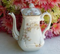 Limoges TEAPOT ___________________________ Reposted by Dr. Veronica Lee, DNP (Depew/Buffalo, NY, US)