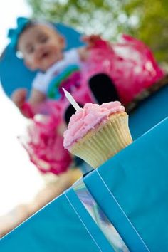 First birthday picture idea