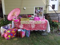 Haddie bears country fair 1st birthday! Gift table and photo board.