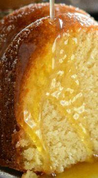 Almond Amaretto Pound Cake ~ A dense, moist poundcake flavored with almond and amaretto liquor topped with a warm buttery amaretto sauce. Almond Pound Cakes, Pound Cake Recipes, Cupcake Recipes, Baking Recipes, Cupcake Cakes, Dessert Recipes, Cupcakes, Fun Desserts, Delicious Desserts
