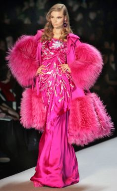 CHRISTIAN DIOR, FALL 2007 MAGDALENA FRACKOWIAK Pink Gown and Pink Fur. Gorgeous Statement !!! http://www.artofncook.com/