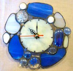 Миниатюрные часы из витража Синие камешки