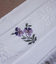 Cross Stitch Rose, Cross Stitch Flowers, Cross Stitch Charts, Cross Stitch Patterns, Fun Crafts, Diy And Crafts, Organic Art, Bargello, Baby Knitting Patterns