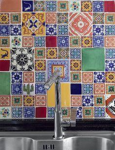 Mosaico de azulejos na cozinha ou lavabo.