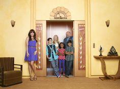 Disney Channel Jessie | Dans quel série a joué Debby Ryan ? et bien elle a jouer dans jessie!!!  avec cameron boyce peyton list et plein d'autre!!!!