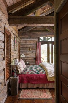 Interior cozy bedroom, cabin bedrooms, rustic bedrooms, bedroom decor, co. Cabin Homes, Log Homes, Cozy Bedroom, Bedroom Decor, Bedroom Rustic, Cabin Bedrooms, Country Bedrooms, Elderly Home, Cabins And Cottages
