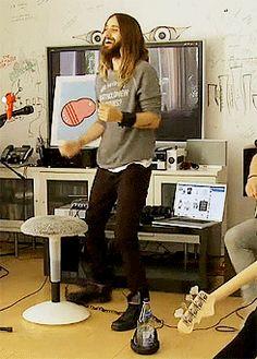 jajaja Zedd casi viola a Jared cuando lo vio bailar jaja ok no!