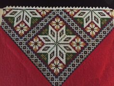 Bringeduker til Hardangerbunad/Fana/Os Easy Crafts, Diy And Crafts, Paper Snowflakes, Crochet Slippers, Handicraft, Decorative Items, Cross Stitch Patterns, Embroidery Designs, Bohemian Rug