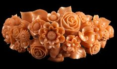 Or Antique, Antique Jewelry, Vintage Jewelry, Coral Jewelry, Fine Jewelry, Coral Art, Soap Carving, Floral Motif, Vintage Brooches