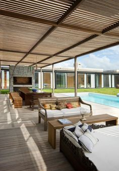 Incredible Contemporary Beach House Design: Cool La Boyita Home Design In Outdoor Space Decorated With Wooden Deck And Wooden Pergola Design. Contemporary Beach House, Contemporary Architecture, Architecture Design, Terrasse Design, Wooden Terrace, Building A Porch, Pergola Designs, Porch Designs, Pergola Kits