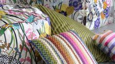 Descubre la colección de verano de #Missoni Home. Missoni, Designer, Throw Pillows, Blanket, Crochet, Youtube, Summer Collection, Home And Garden, Toss Pillows