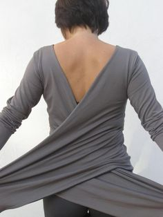 Double layered top-Grey Women's ways wrap top/shirt/cardigan - SNUGGLE UP TOP-Maternity top- midi / long sleeves made to order - Kleidung - Sewing Clothes, Diy Clothes, Sewing Shirts, Cool Outfits, Fashion Outfits, Womens Fashion, Top Fashion, Gilet Kimono, Mode Hippie