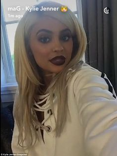 The look! The trendsetter - famous for her pouting lips - showed her fans how it was done