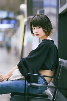 Blonde Actresses, Beautiful Japanese Girl, Beauty Portrait, Fair Lady, Girls Gallery, Girl Short Hair, Japanese Models, Cute Asian Girls, Girl Poses