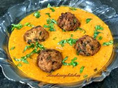 BOTTLE GOURD KOFTA CURRY – Ruchi's Veg Kitchen Indian Vegetable Recipes, Indian Food Recipes, Vegetarian Recipes, Ethnic Recipes, Best Bhindi Recipe, Indian Gravy Recipe, Beet Green Recipes, Best Curry, Dried Mangoes