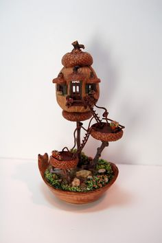This could be the tiny fairy house that your fairies built! Made with a Walnut shell and acorn top. Minis, Walnut Shell Crafts, Acorn Crafts, Fairy Garden Houses, Fairy Gardens, Fairy Crafts, Fairy Furniture, Fairy Doors, Miniture Things