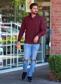 Scott Disick wearing Ksubi Van Winkle Jeans in Non Cents, Adidas Ultra Boost in Black and John Elliott Hooded Villain Hoodie in Fashion Moda, Star Fashion, Mens Fashion, Runway Fashion, Fashion Shoes, Fashion Trends, Winter Outfits, Cool Outfits, Casual Outfits