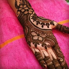 Here are the best Full Hand Mehndi Design Images.