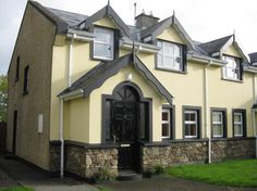 View our wide range of Houses for Sale in Kenmare, Kerry.ie for Houses available to Buy in Kenmare, Kerry and Find your Ideal Home. Semi Detached, Detached House, Mansions, House Styles, Ideas, Home Decor, Decoration Home, Manor Houses, Room Decor